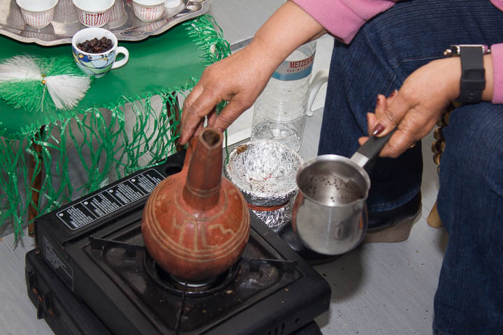 Kaffee, wie man ihn in Eritrea zubereitet